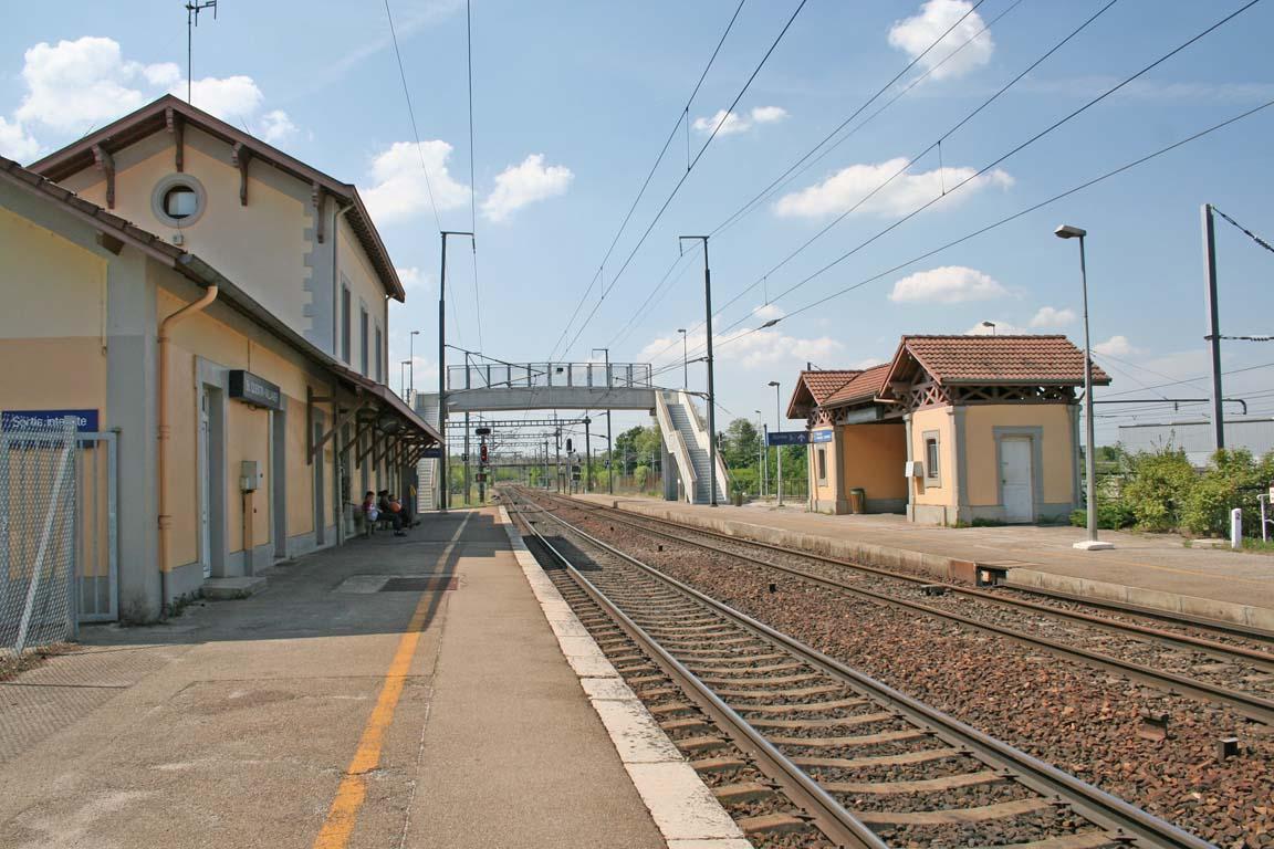Gare saint quentin for Garage de la gare bretigny